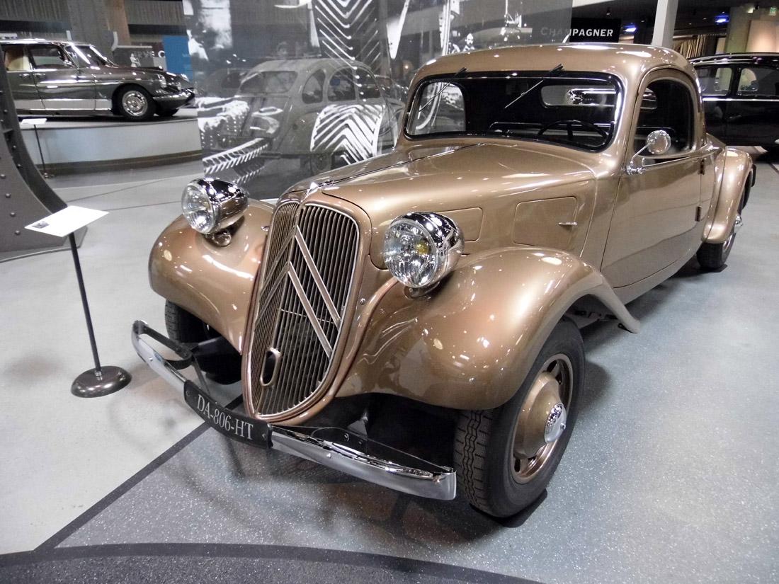 Mullin Automotive Museum (1)