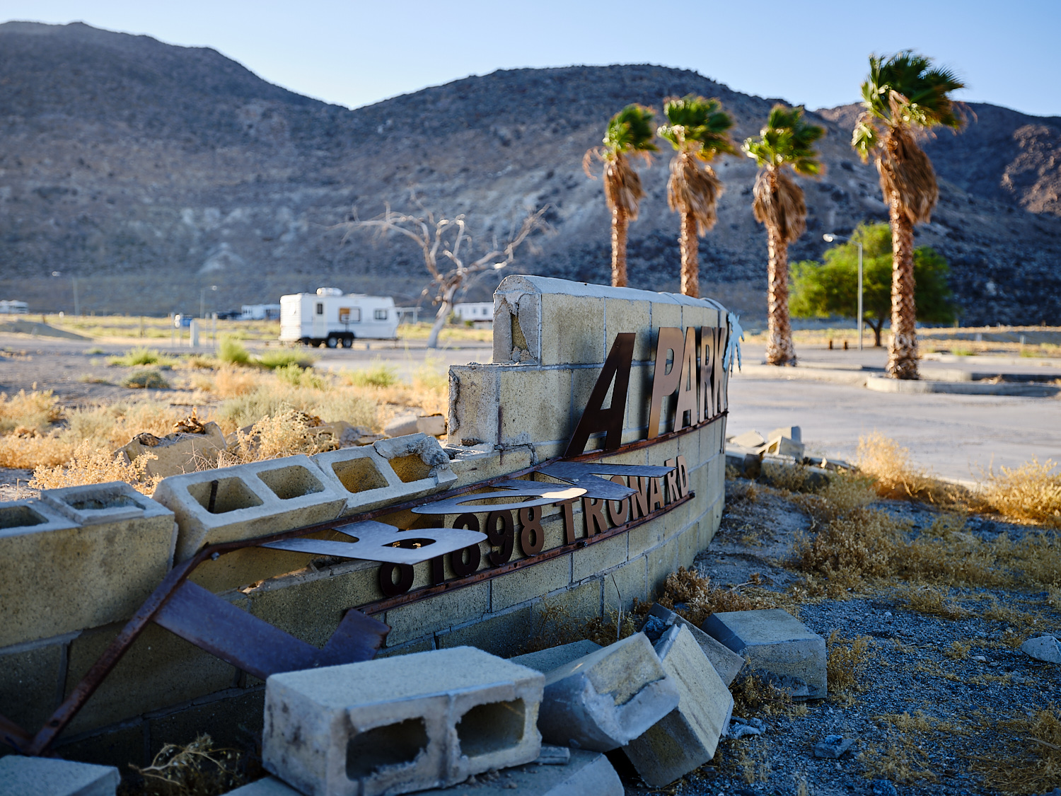 Earthquake damage at Trona Mobile Home & RV Park, Trona, Ca. | Osceola Refetoff