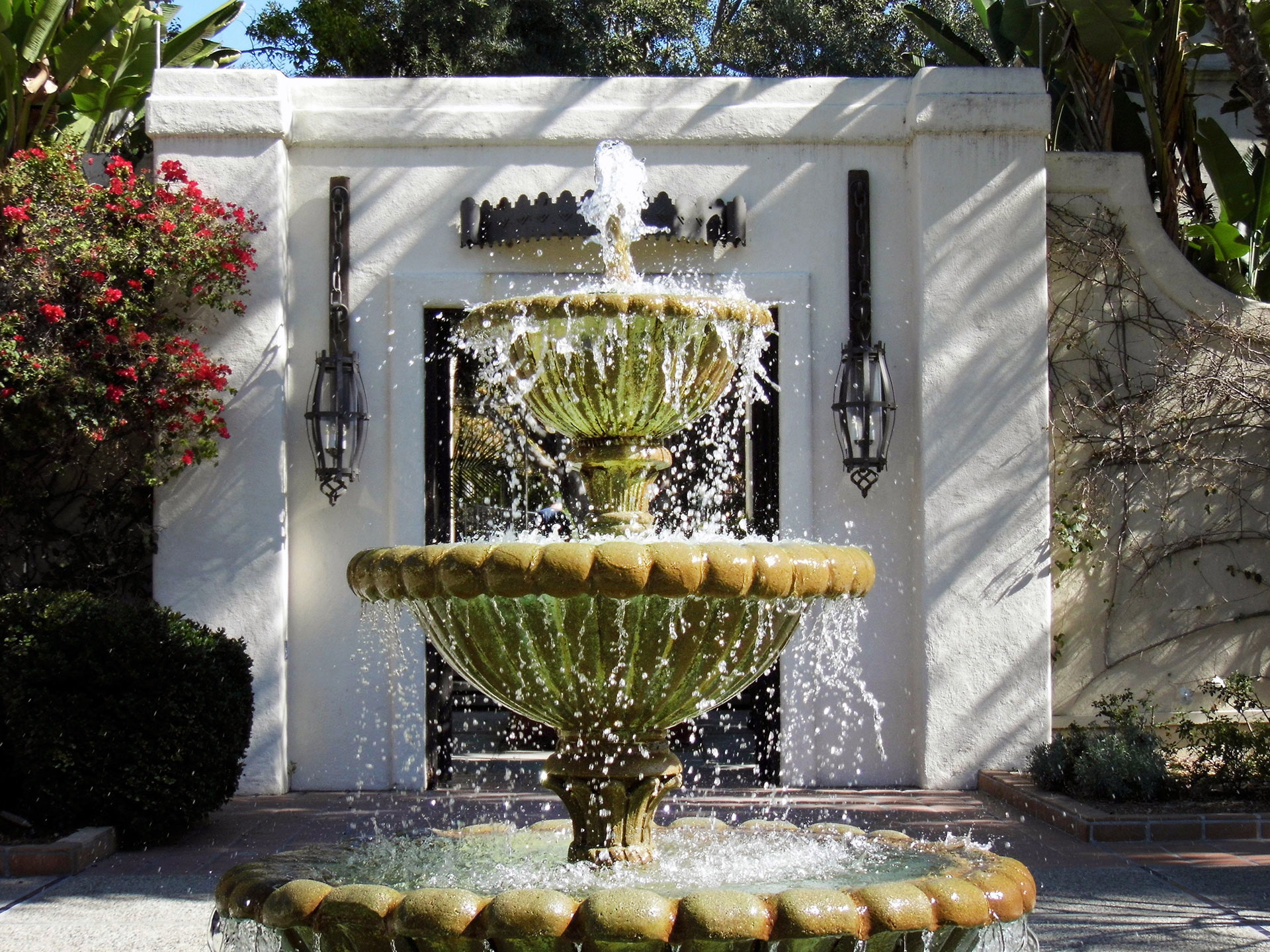 The fountain in the Main Courtyard at the Los Angeles River Center & Gardens. | Sandi Hemmerlein
