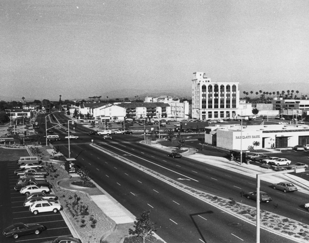 Downtown Anaheim after redevelopment: Lincoln Avenue at Anaheim Boulevard, circa 1985