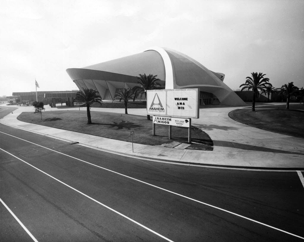 The Anaheim Convention Center arena in 1973. Courtesy of the Anaheim Public Library's Anaheim History Room.
