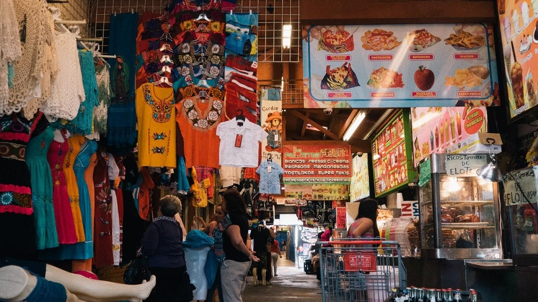 El Mercadito: Clothing and Food