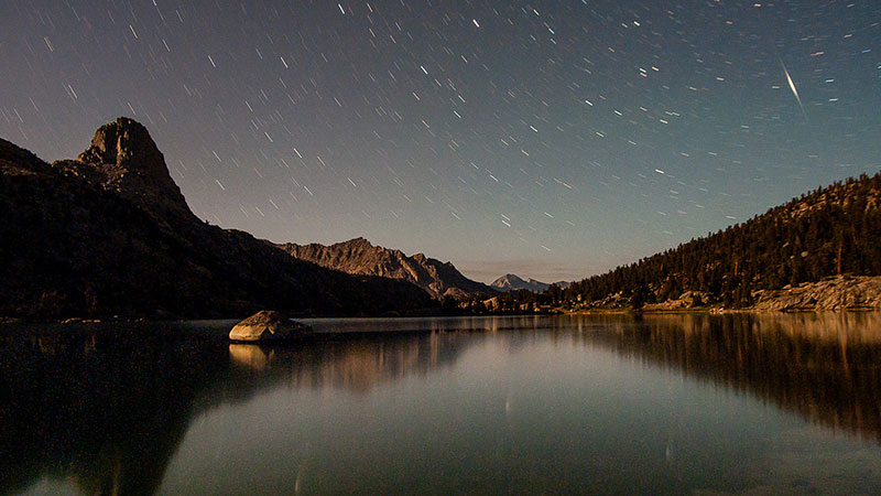 Night sky over the Rae Lakes