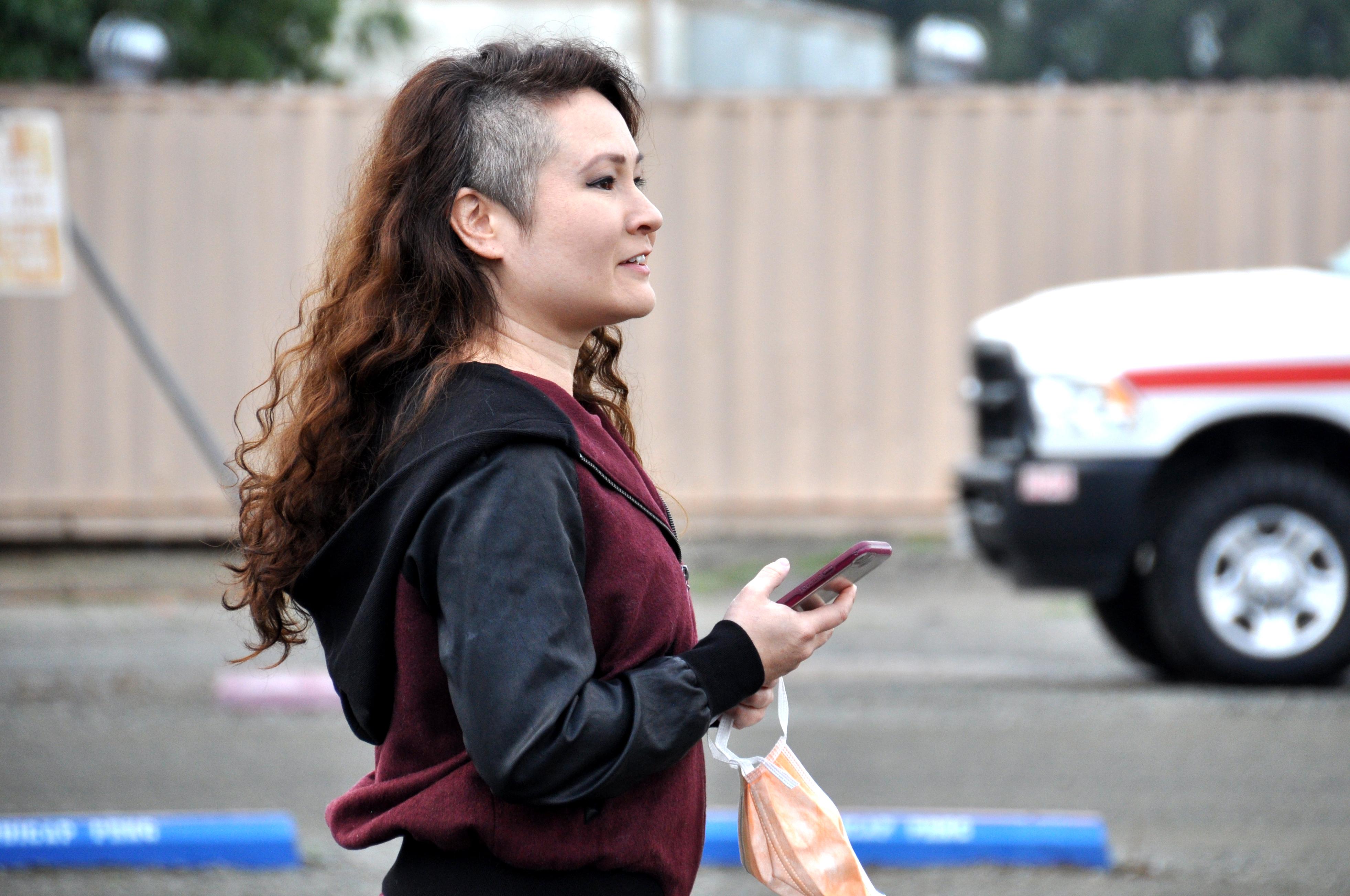 Rebecca Woodruff, Kiera's high school teacher, waits for her release | Gina Pollack