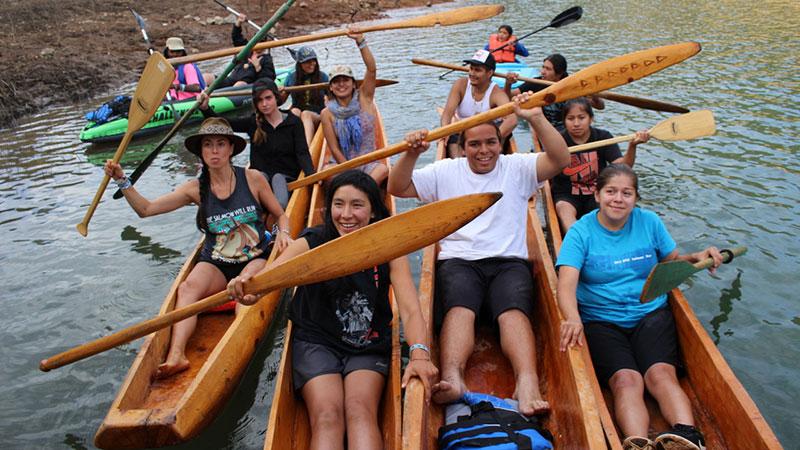 run4salmon-canoe-group-photo-by-jessica-abbe.jpg