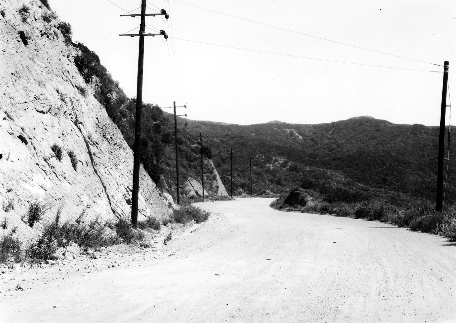 Sepulveda Boulevard near Mulholland Highway, before widening and paving, February 17, 1934