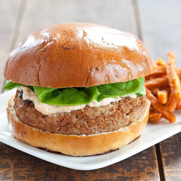 Grilled Turkey-Mango Chutney Burgers