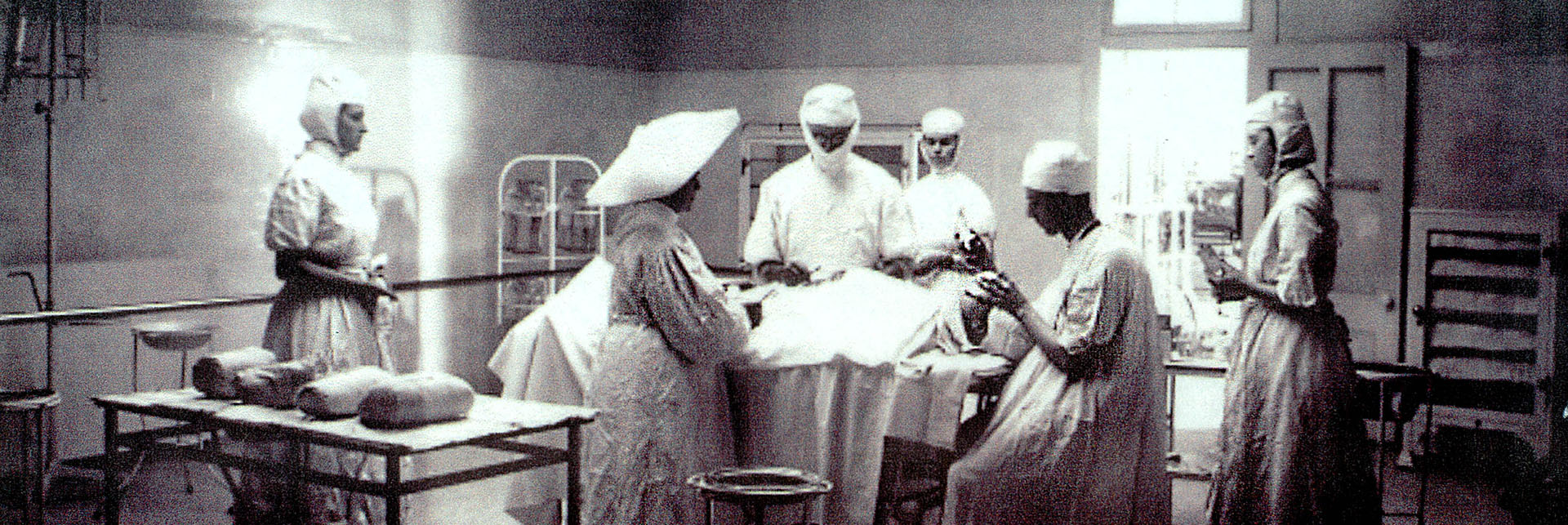 Operating room, 1908