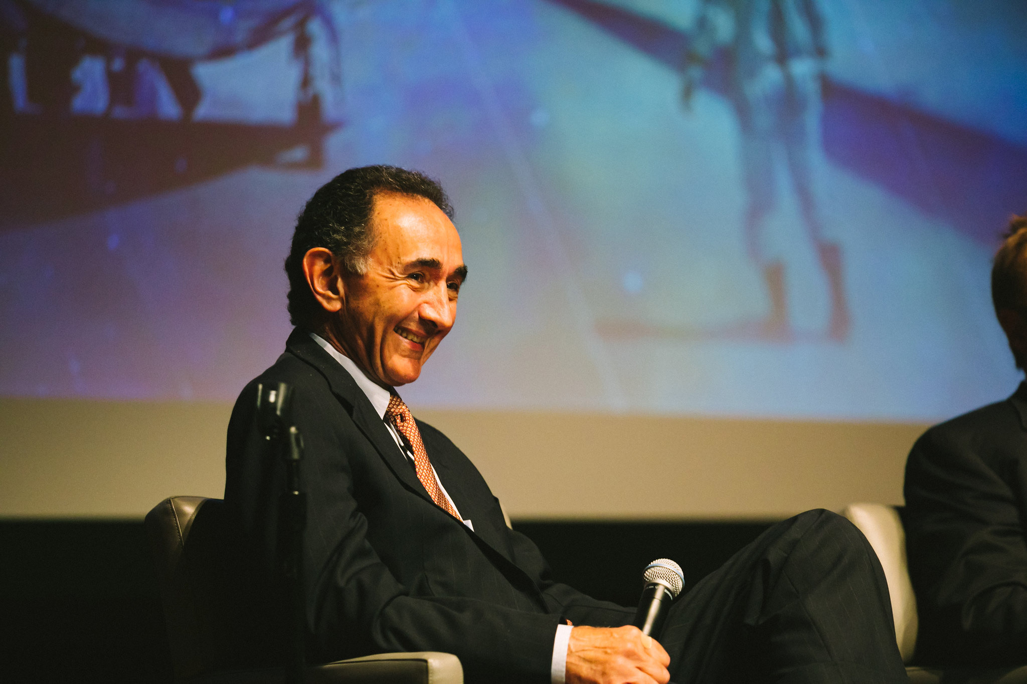 Los Angeles Times Journalist Ralph Vartabedian moderates the panel
