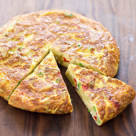 Weekend Recipe: Spanish Tortilla With Roasted Red Peppers ...