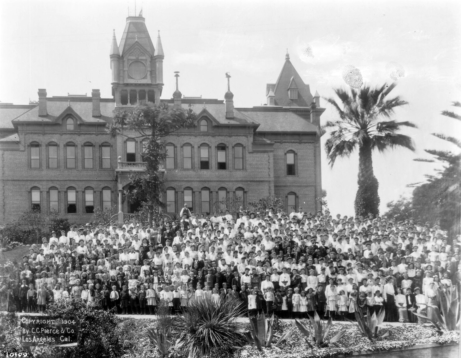 Students and faculty assemble outside the State Normal School in 1904