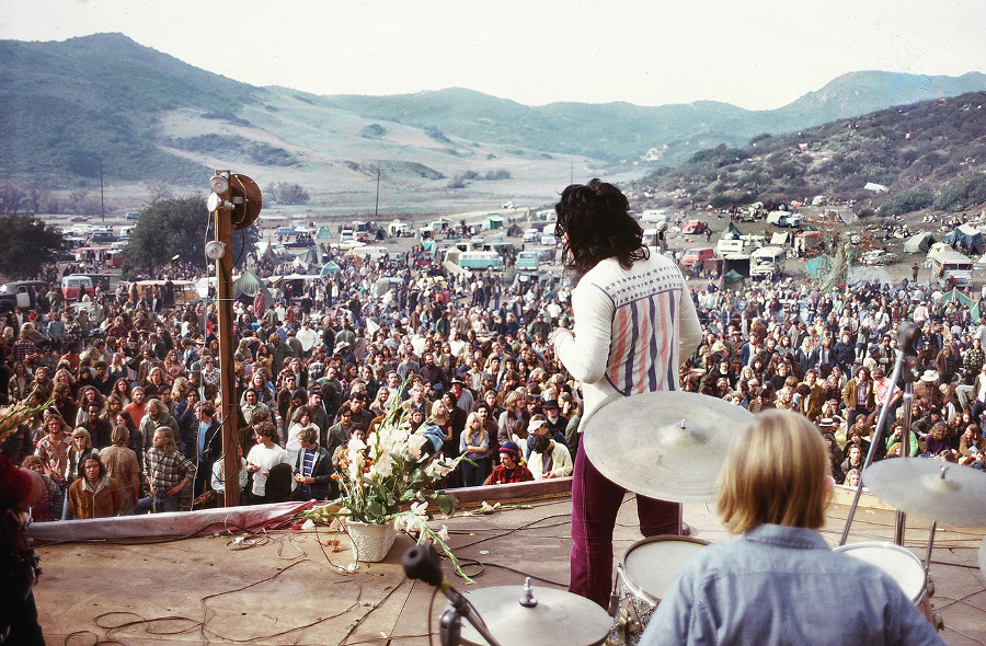 the_happening_festival_stage_laguna_beach_1970.jpg