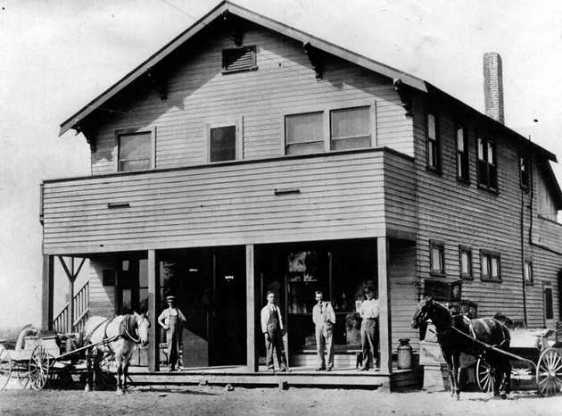 The first general store in Bellflower, 1910. Photo courtesy of the Herald-Examiner Collection – Los Angeles Public Library