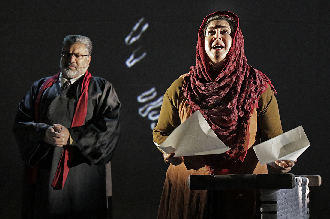 "Steve Gokool (Judge) and Kamala Sankaram (Mukhtar Mai) in the LA Opera Off Grand 2017 production of ""Thumbprint"" I Larry Ho"