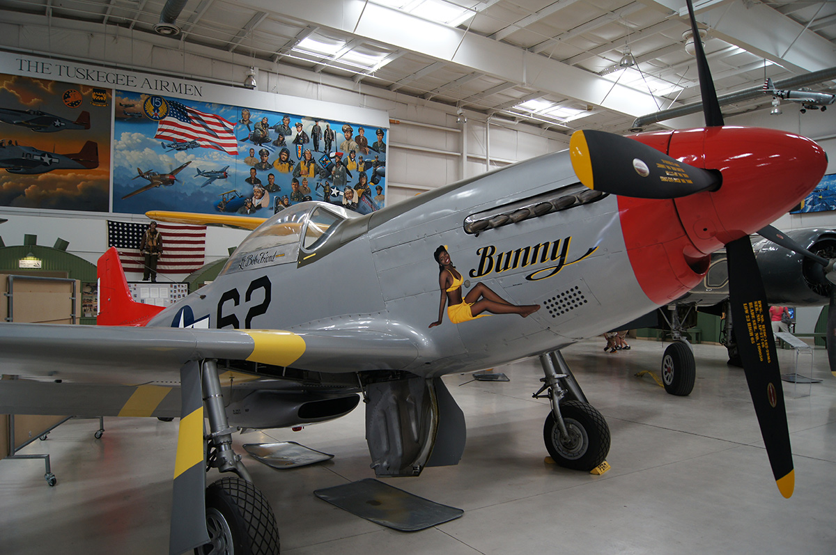 Tuskegee P-51 at the Palm Springs Air Museum | Wikimedia Commons/Jwissick