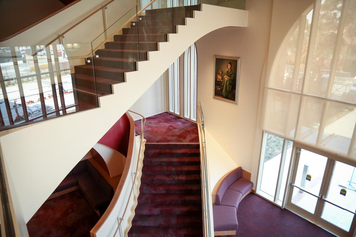 Interior view of the USC Glorya Kaufman International Dance Center. | Photo: Carolyn DiLoreto