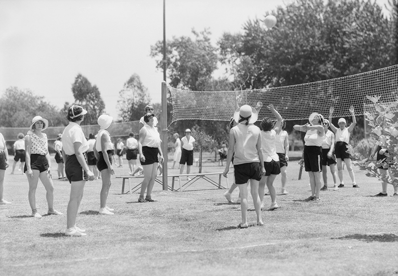 Womens Play Day, Griffith Park 1932 | Dick Whittington Photography Collection,1924-1987, University of Southern California Libraries