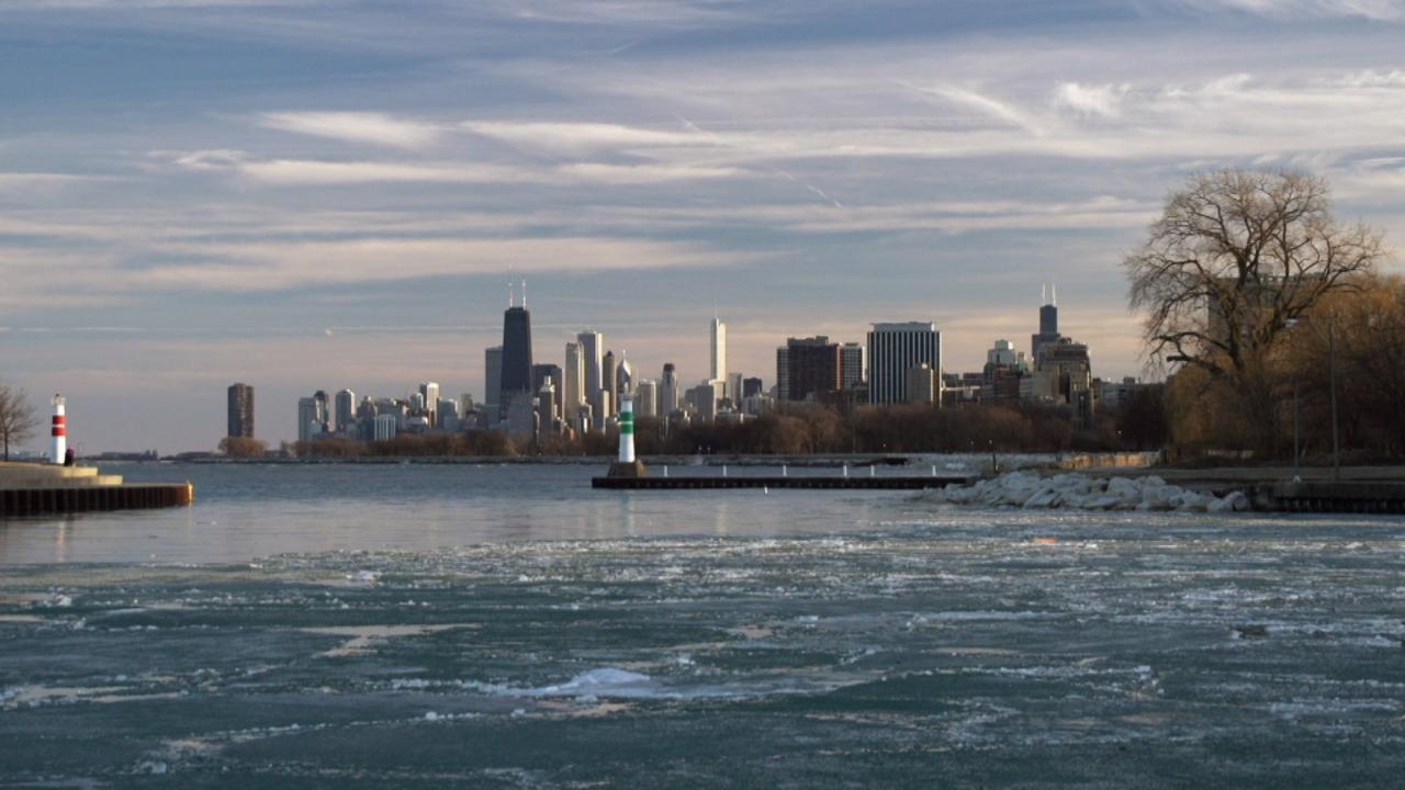 S1 E1: Chicago River - A River in Reverse Gear