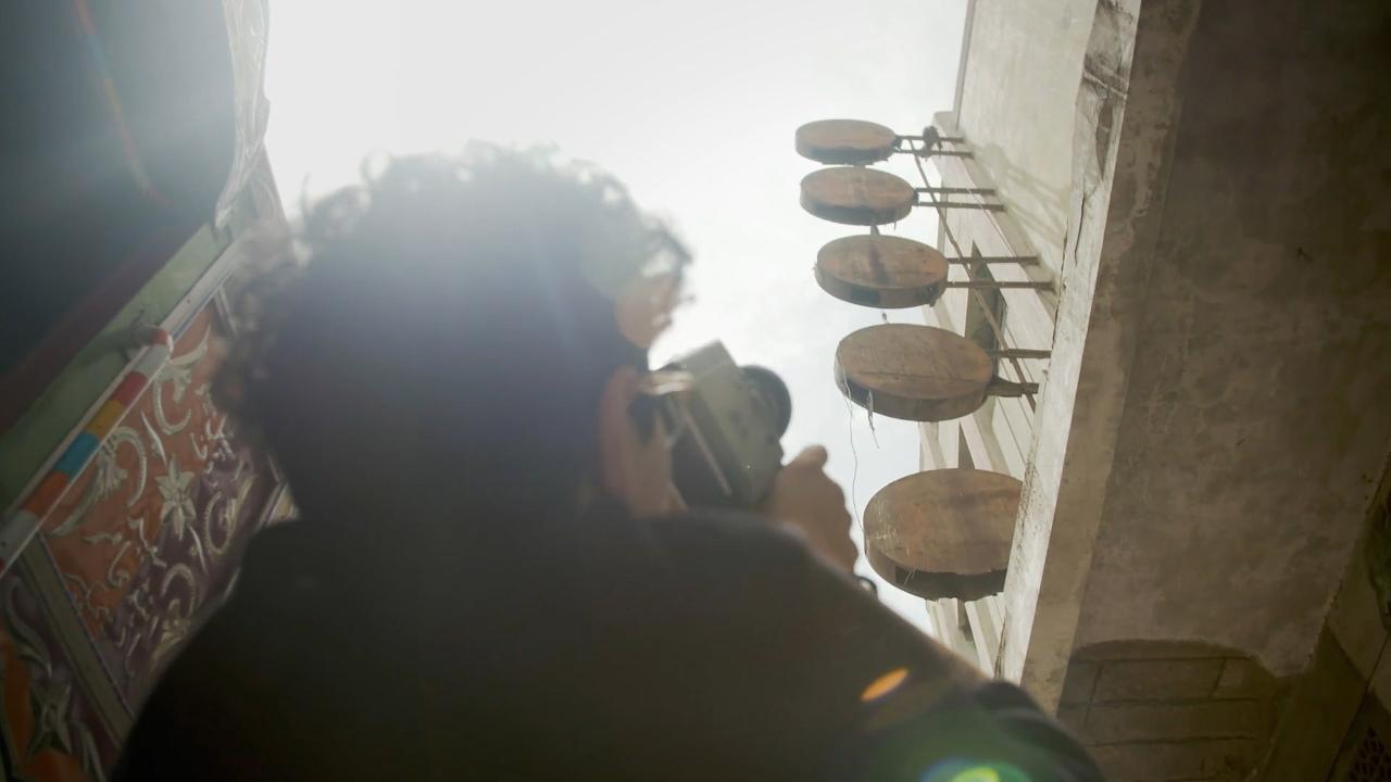 S3 E5: Karachi - Creating Art Amid Terror