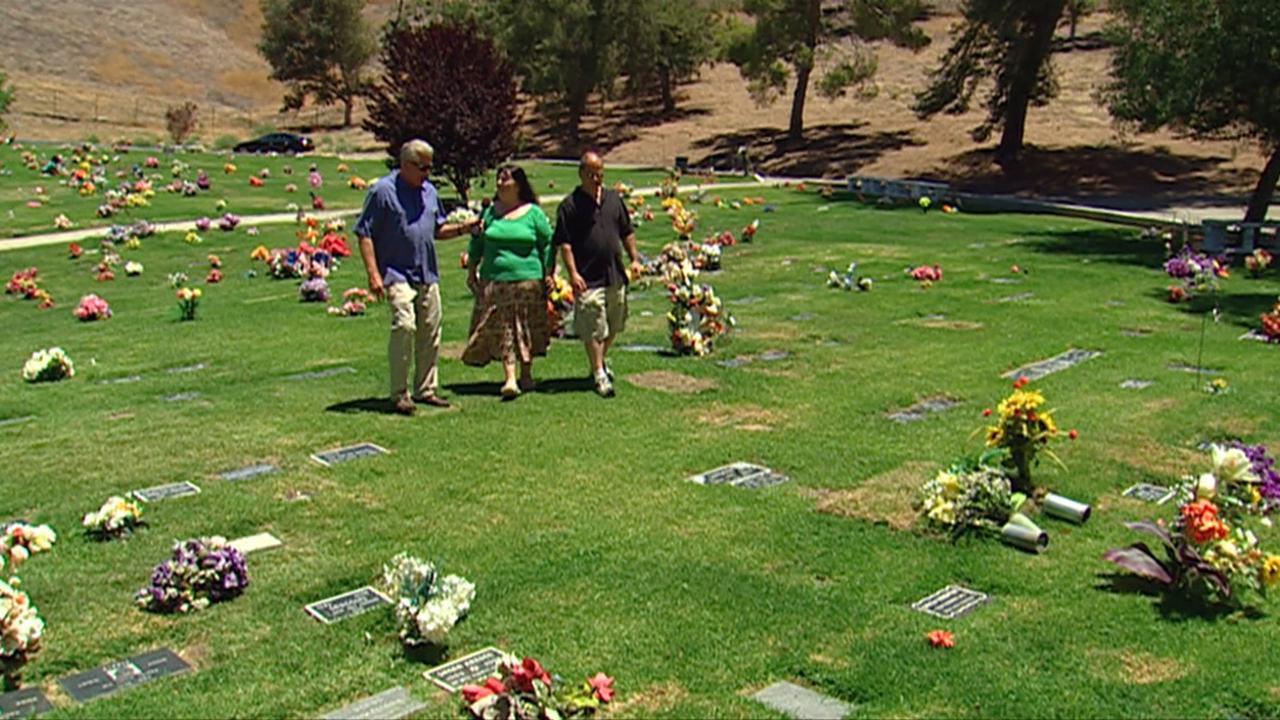 California's Gold: Pet Cemetery