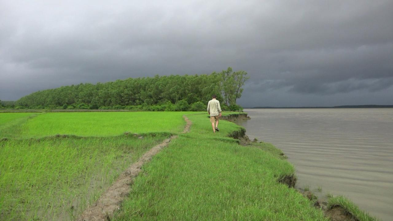 S1 E9: Bangladesh Monsoon