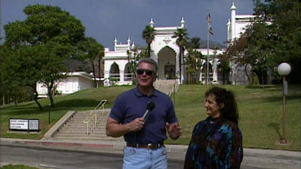 Visiting with Huell Howser: Library / Memorial