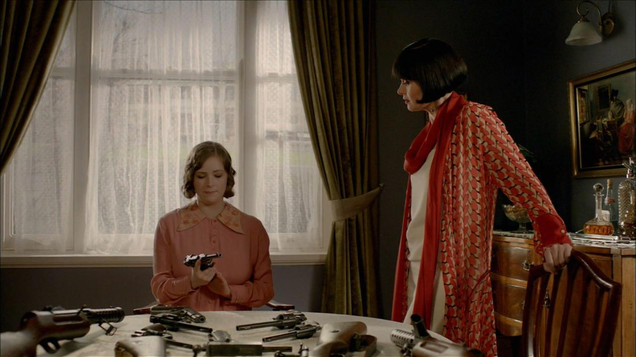 Miss Fisher's Murder Mysteries: Death at the Grand